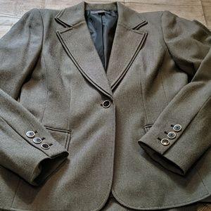 LIZ CLAIBORNE two piece pant suit